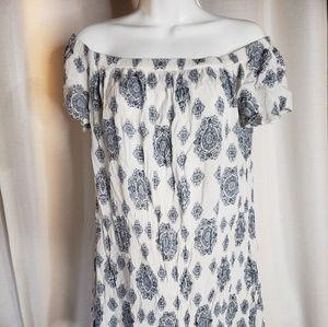 Off shoulder luxology dress